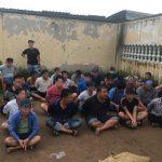 <span>Sới gà khủng tại bãi đất trống ở quận Bình Tân bị bắt quả tang</span>