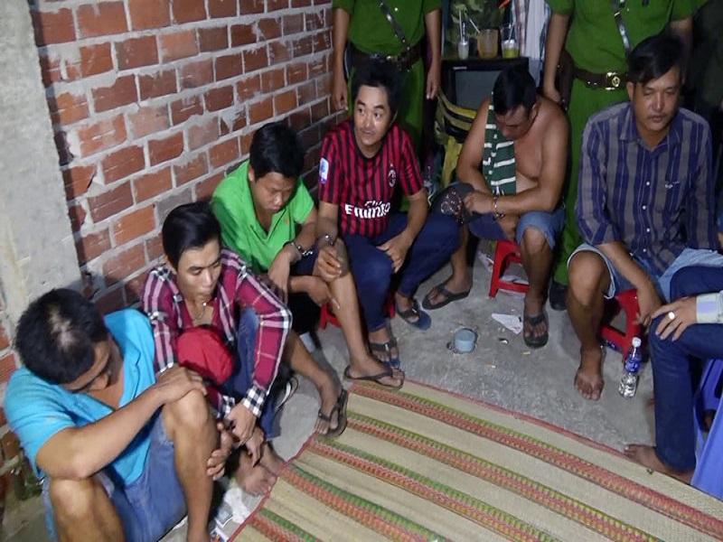Công an huyện Mỏ Cày kiên quyết đấu tranh với tội phạm đánh bạc
