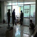 Bắt nhóm tổ chức đá gà trong văn phòng kinh doanh nhà đất