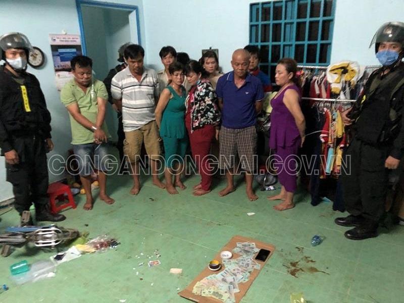 Bắt quả tang 10 đối tượng đánh bạc tại Biên Hòa