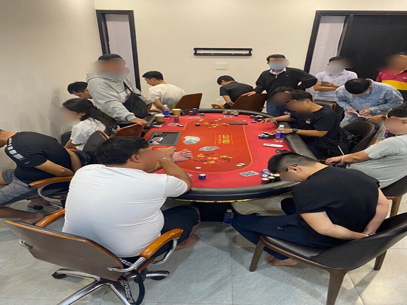 Sòng bạc có người nước ngoài tham gia tại TP.HCM bị triệt phá