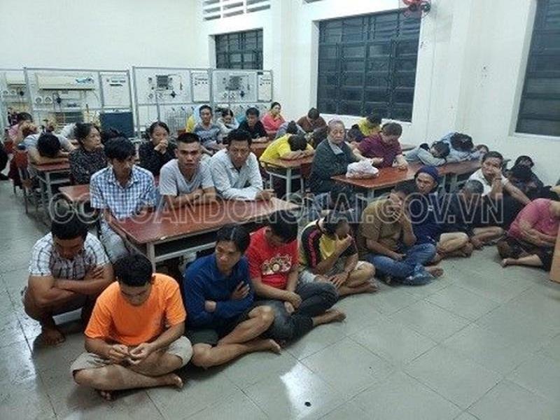 Tạm giam 33 đối tượng tổ chức đánh bạc và đánh bạc tại Đồng Nai