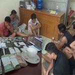 Bắt 18 đối tượng đánh bạc tại Thanh Hóa, thu giữ hơn 100 triệu đồng
