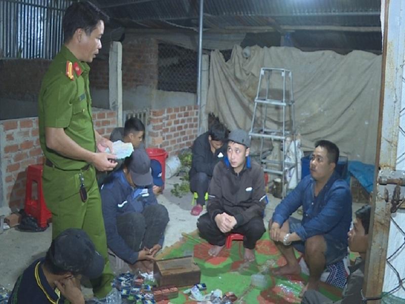 Triệt phá sới bạc trong đêm của 10 đối tượng tại Đắk Lắk