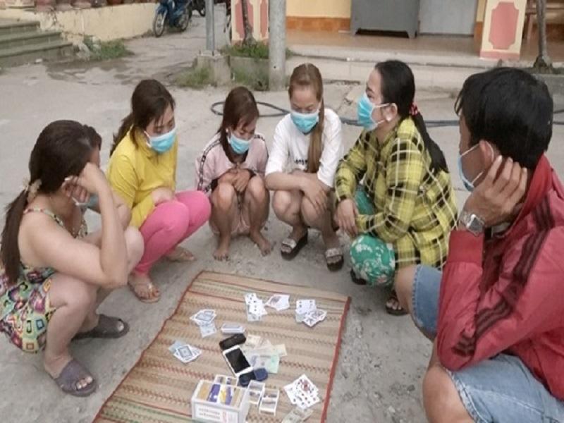 Triệt phá liên tiếp 2 sòng bạc tại An Giang, tạm giữ hàng chục đối tượng